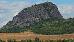 Der Boren (deutsch Borschen) ist ein Charakterberg im Böhmischen Mittelgebirge...