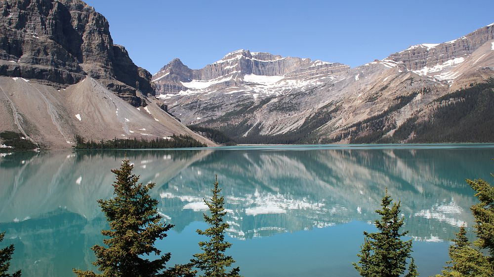 Der Bow Lake am Icefield Parkway / Banff National Park....