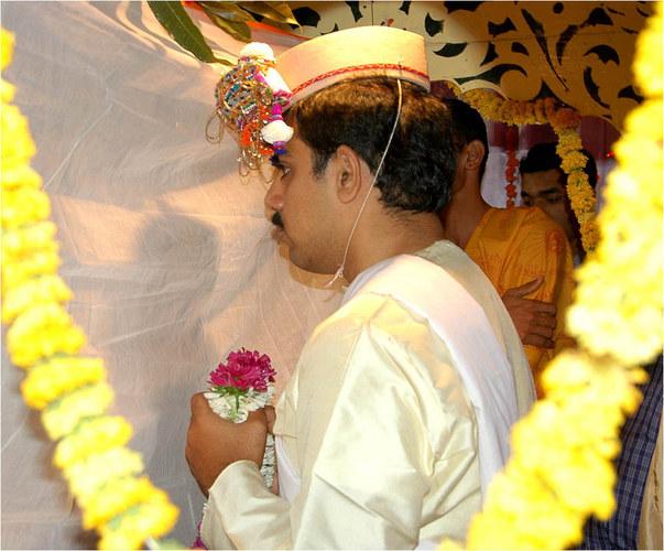 Der Bräutigam wartet - Hinter dem Vorhang!