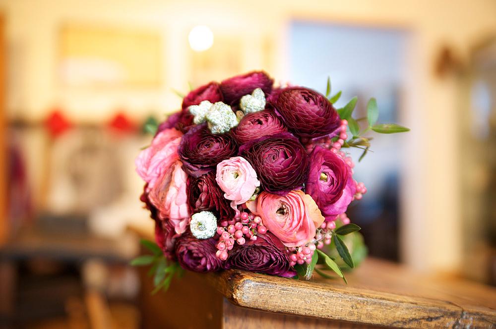 Der Brautstrauss Rot Violett Lila Flieder Foto Bild