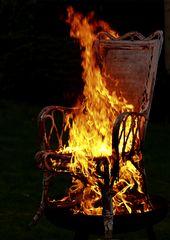Der brennende Stuhl