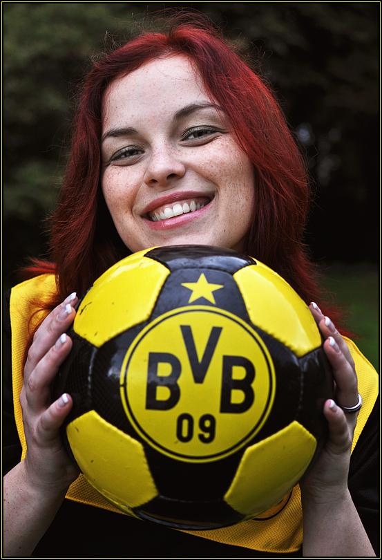 Der BVB ist Meister - Maggy freut sich :-)