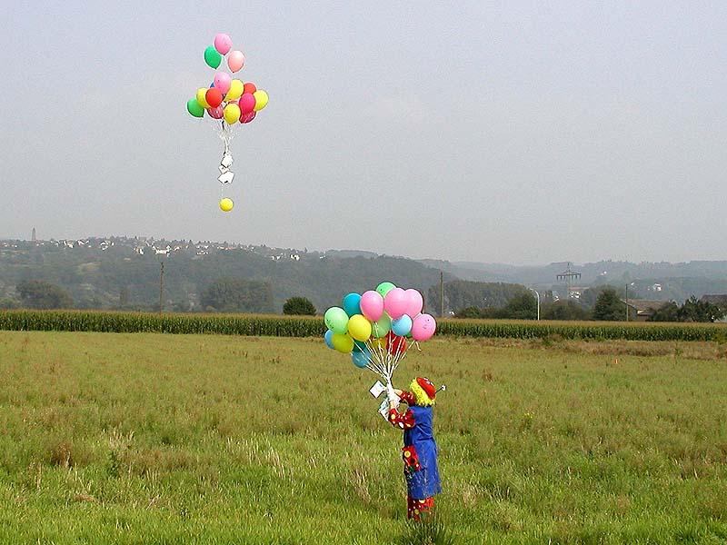 Der Clown und die Luftballons
