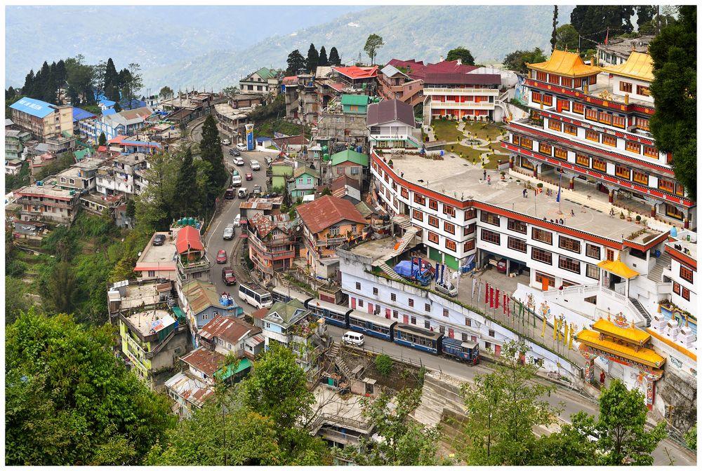 Der Darjeeling Dali Monastery Shot - für Dieselfreunde