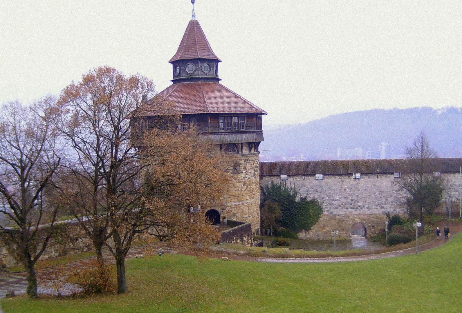der dicke Turm auf der Burganlage Esslingen