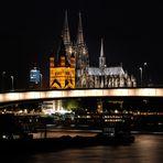 Der Dom, die Deutzer Brücke, das Baggerschiff und Groß St. Martin,