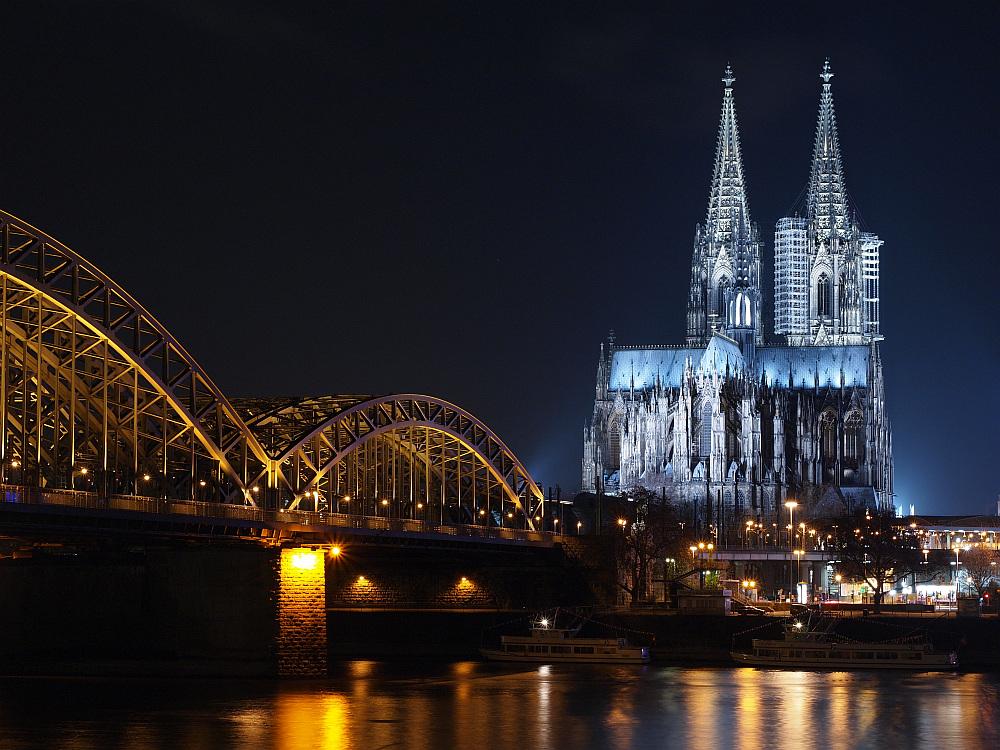 Der Dom von Köln diemal aber mit Stativ;-)