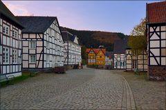 Der Dorfmarktplatz ...