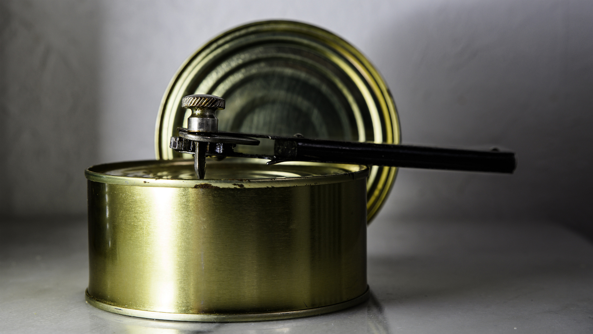 Der Dosenöffner - l'ouvre-boîte