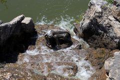 Der Drache schläft heut im Wasserfall