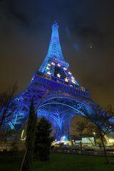 Der Eiffel-Turm beleuchtet ;-)