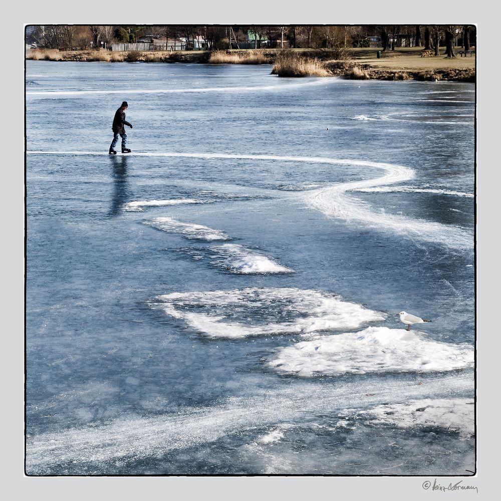Der einsame Eisläufer dreht seine Runden ...