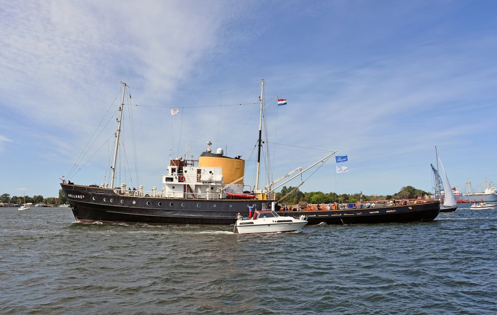 """Der einstige Hochseeschlepper """"Holland"""" zur Hanse Sail 2019"""