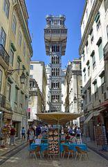 Der Elevador de Santa Justa in Lissabons Stadtzentrum