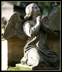 Der Engel betet am Grab