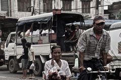 der fahrgast, rikschafahren in yangon, burma 2011