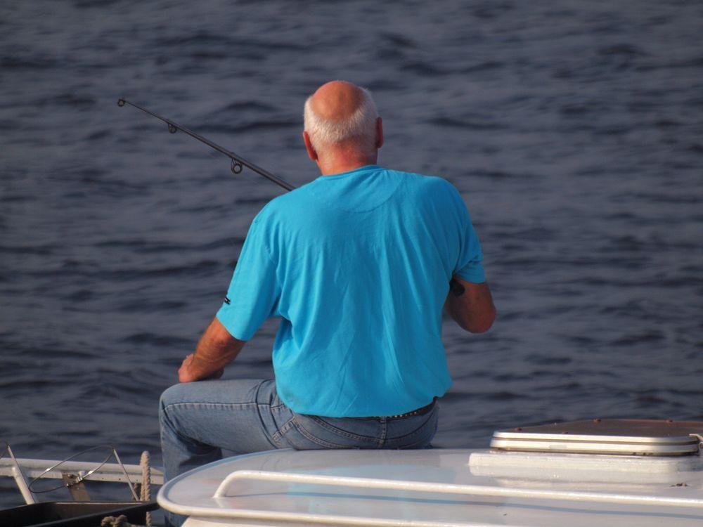 Der Fisch ist die größte gefahr beim Angeln.. .