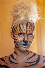 Der fromme Blick der Tigerfrau