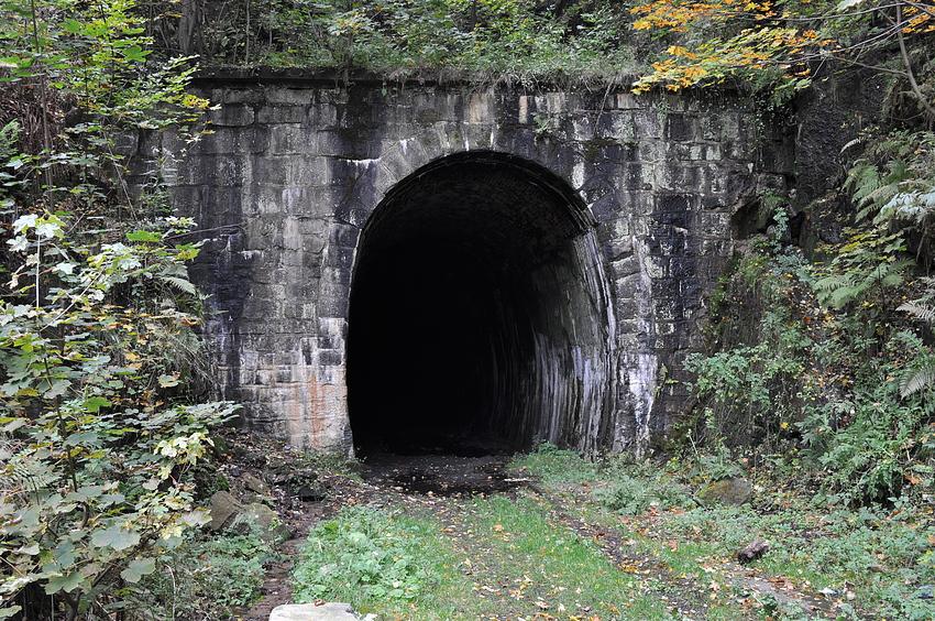 Der Führerzugschutztunnel im FHQ Riese