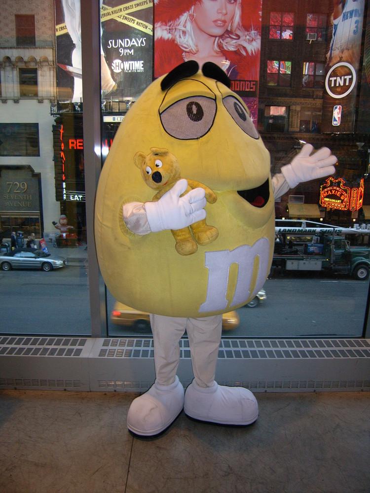 Der gelbe Bär bei M&M