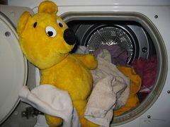 Der gelbe Bär hilft... bei der Wäsche(2)