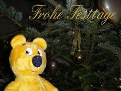 Der gelbe Bär wünscht frohe Festtage