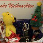 Der gelbe Bär wünscht Frohe Weihachten