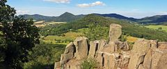 Der Gipfel des Ostry ist nicht nur besonders interessant durch die Reste der Ritterburg...