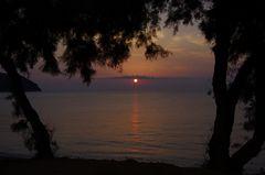 der goldene Weg zur Sonne geht übers Meer
