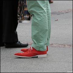 Der Grosse Blonde mit dem Roten Schuh....