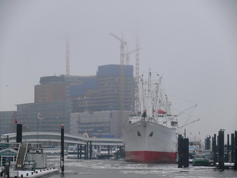 Der Hamburger Hafen im Winter