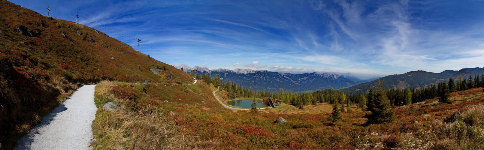 Der Herbst in den Bergen 24