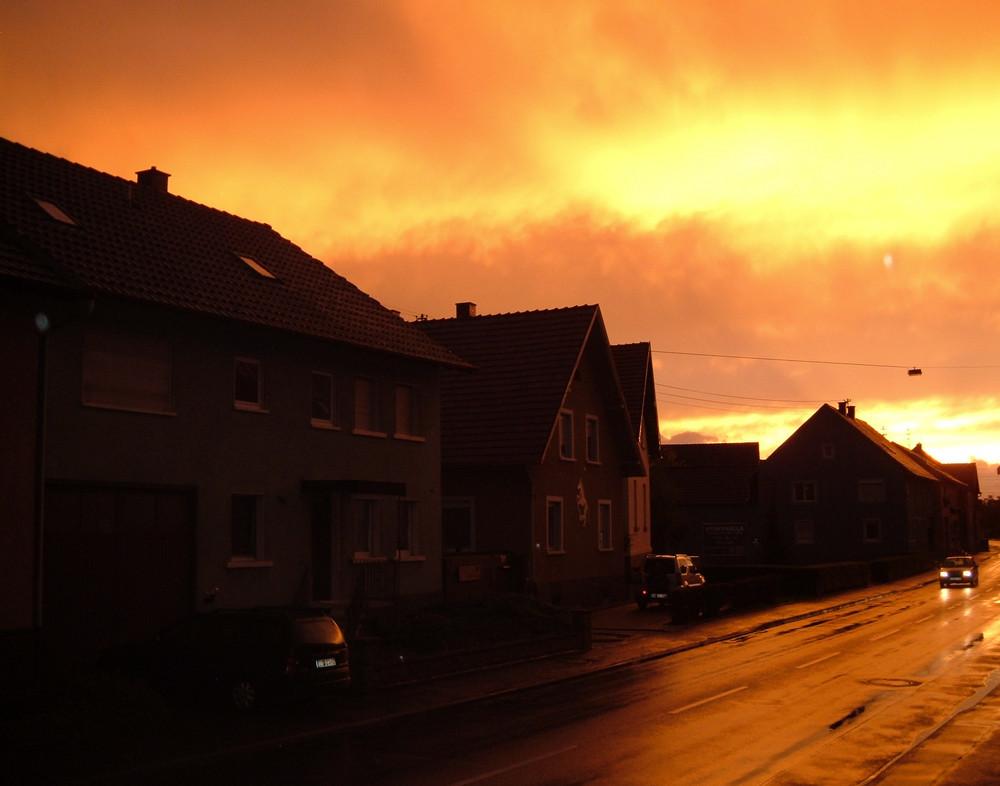 ...der Himmel brennt...
