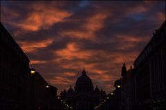 Der Himmel brennt über Sankt Peter