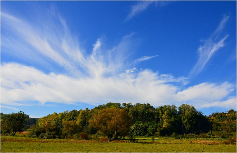 Der Himmel im Herbst