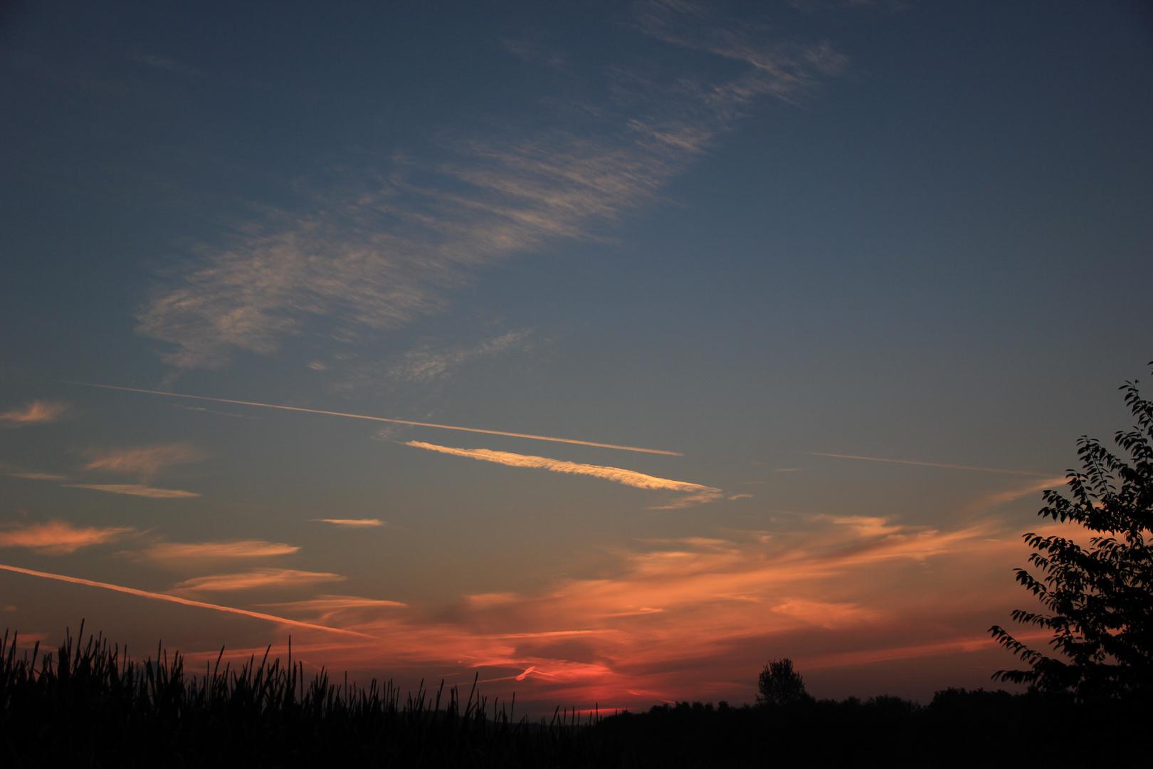 Der Himmel kurz bevor die Sonne auf geht