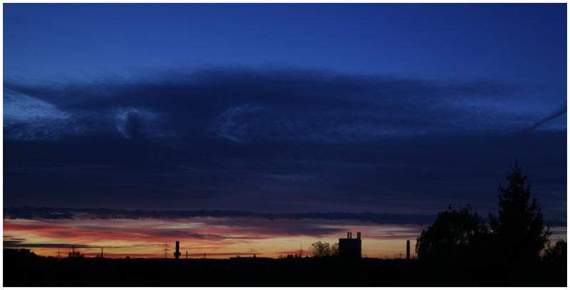 der Himmel schaut dich an und sagt: Guten Morgen