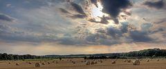 Der Himmel über dem Kornfeld