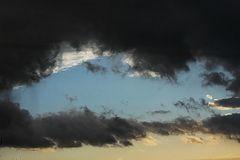Der Himmel über Hamburg (während ein Gewitter durchzog) II