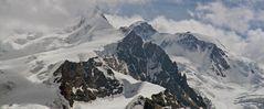 Der höchste Monte Rosagipfel die Dufourspitze hier teilweise in leichten Wolken...