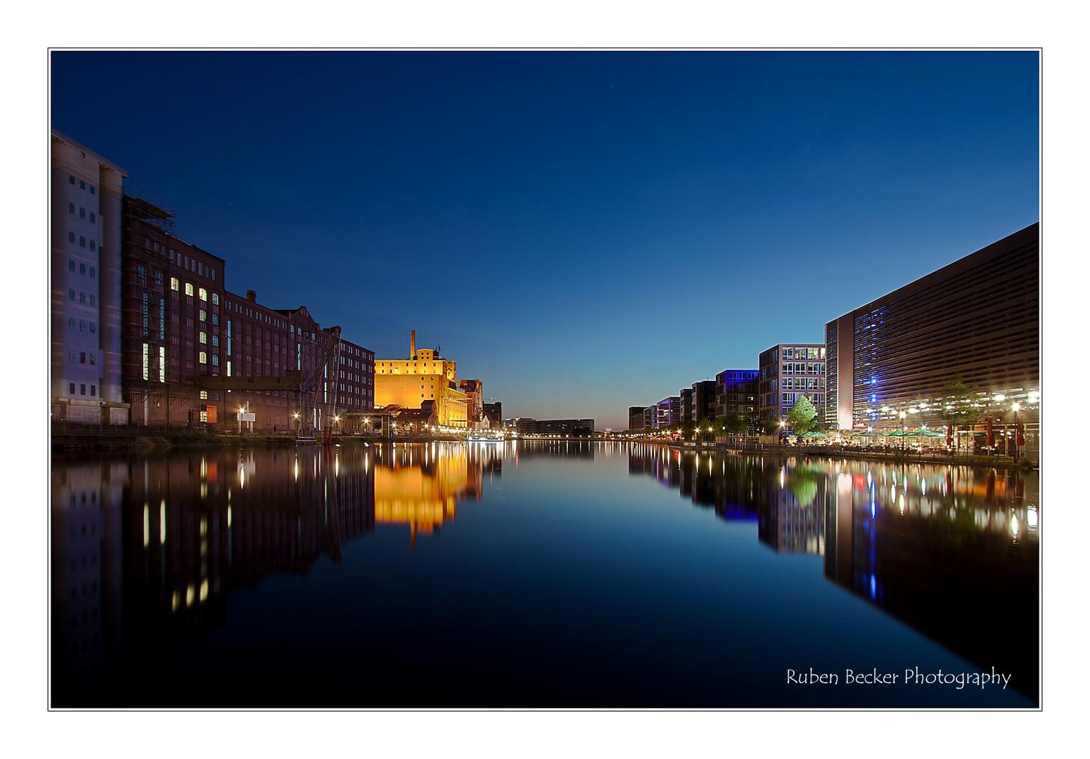 Der Innenhafen in Duisburg