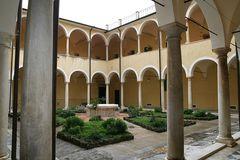 Der Innenhof am Dom von Lucca
