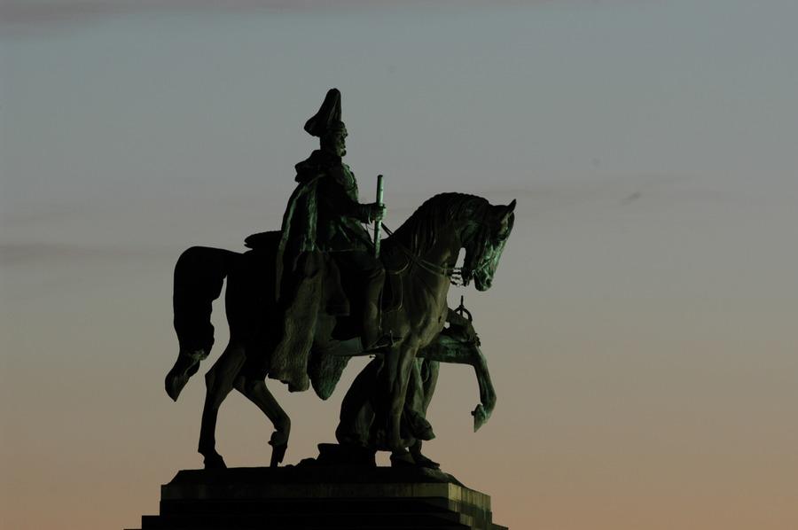 """""""Der Kaiser"""" am Deutschen Eck"""