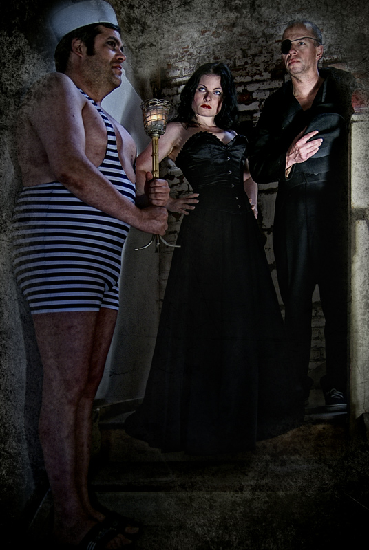 Der Kerzenhalter, der Mühlen-Pirat, seine Braut und...
