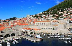 Der kleine Hafen von Dubrovnik