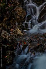Der kleine Wasserfall ...