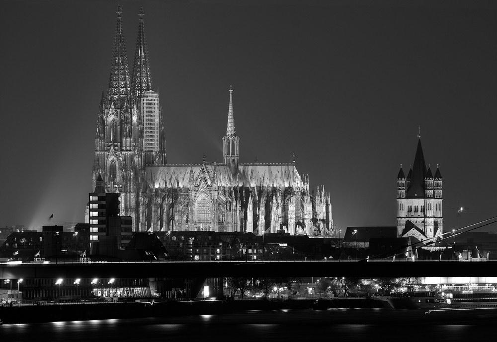 Der Kölner Dom über eine Strecke von 5 Km