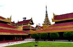 ...der Königspalast in Mandalay...