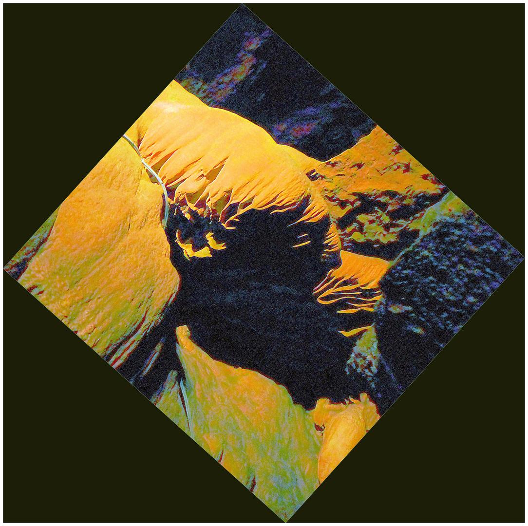 Der Kopf in der Höhle
