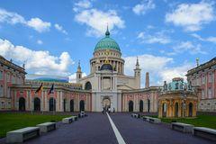 Der Landtag mit der Nikolaikirche